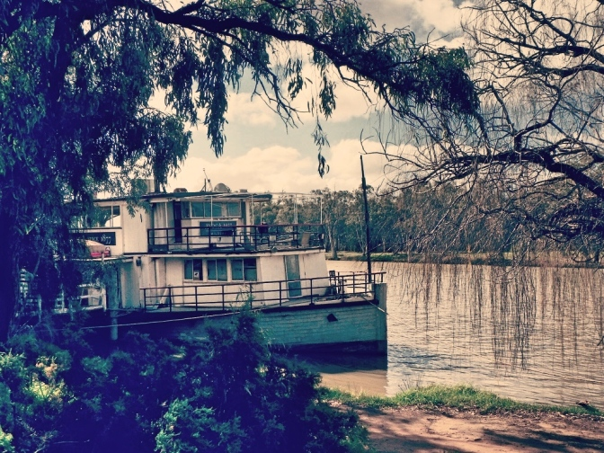 Paddle steamboat on Murray River, Mildura